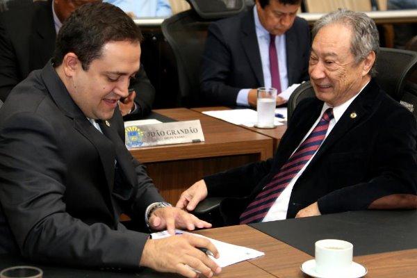 Imagem: Os deputados Marcio Fernandes e George Takimoto são os autores da nova lei